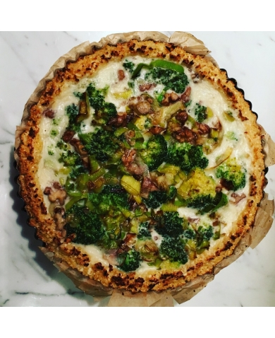 Broccoli, leek and Walnut Tart with Cauliflower Crust